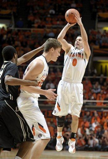 Purdue, Hummel hold off Illinois, 67-62