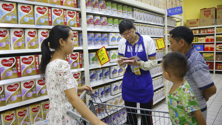 NZ milk scare dents China belief in foreign brands