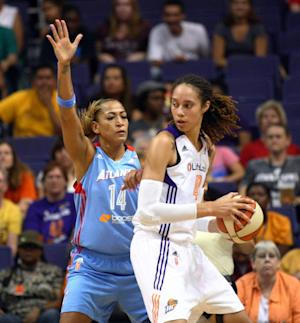Taurasi helps Mercury hold off Dream, 82-76