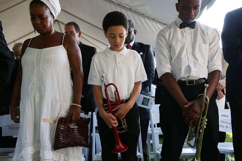 New Orleans mourns dead, celebrates life on Katrina anniversary