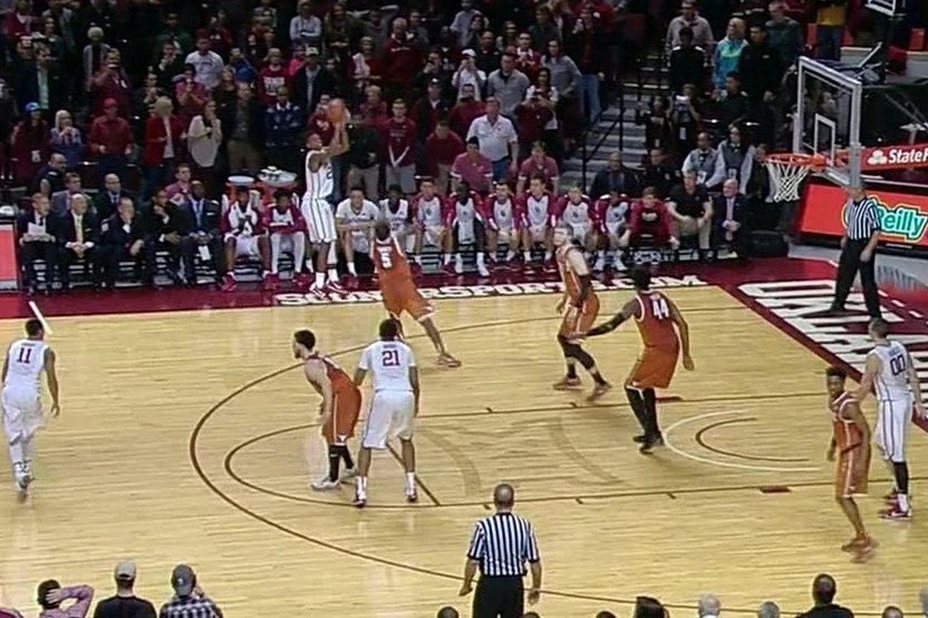 Buddy Hield scores Oklahoma's final 12 points, beats Texas with 3 in final seconds