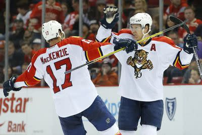 Panthers, Blues trade three goals in 34 seconds of game time