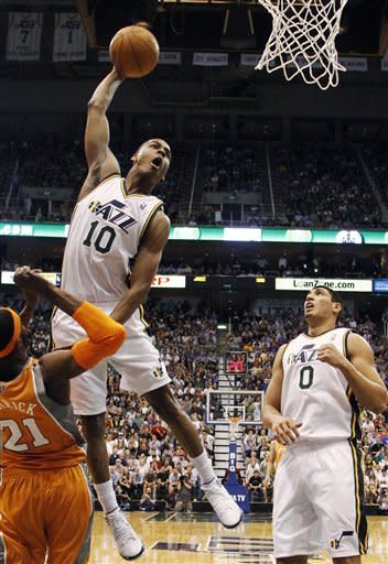 Jazz beat Suns 100-88, secure playoff spot