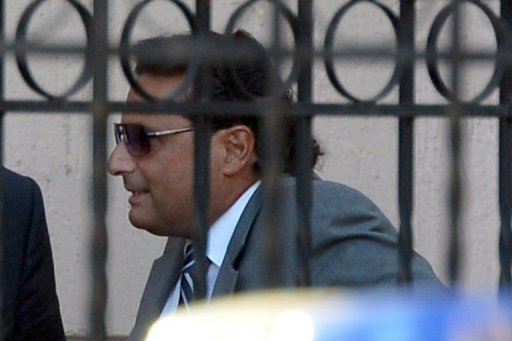 <p>Costa Concordia's captain Francesco Schettino arrives at a pre-trial hearing into the Costa Concordia disaster on October 16 in Grosseto. Experts on Friday refuted claims by Schettino that he saved lives on the night of the Costa Concondia shipwreck, as pre-trial hearings into the disaster were set to wind up.</p>