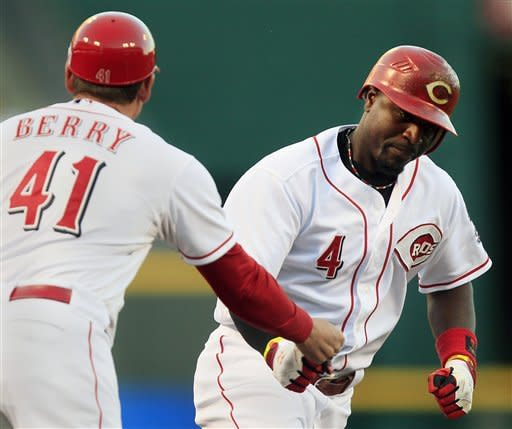 Reds send Pirates to 5th straight loss 5-3