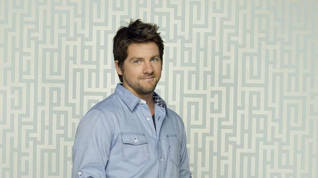 "Zachary Knighton stars as Dave in ""Happy Endings."""