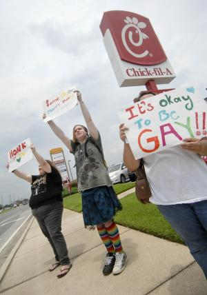 Police look into graffiti at Chick-fil-A in Calif.