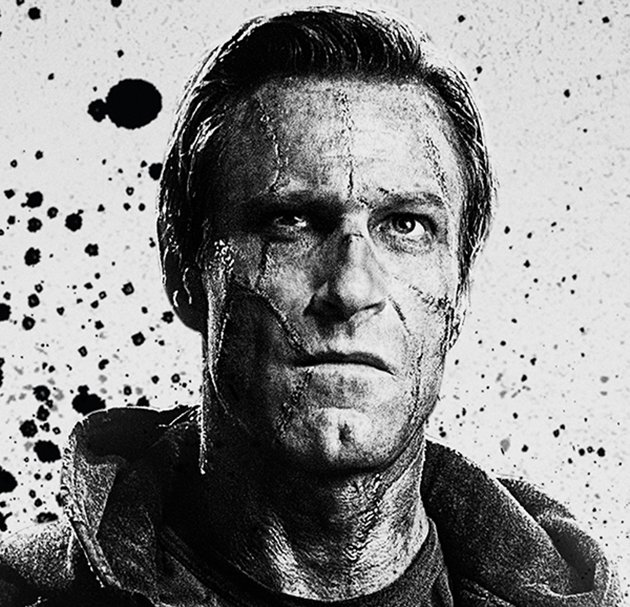 Aaron Eckhart as the new Frankenstein