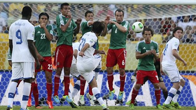 DATE IMPORTED:June 16, 2013Italy's Andrea Pirlo (21) scores on a free kick during their Confederations Cup Group A soccer match against Mexico at the Estadio Maracana (Reuters)