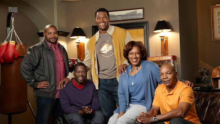 Colton Dunn, Daryl Mitchell, Michael Strahan, CCH Pounder and [ytvperson id=44336]Carl Weathers[ytvperson] star in the Fox series Brothers.