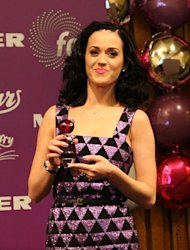 Katy Perry's flawless look is easily recreated with airbrush make-up.