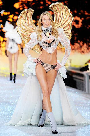 PICTURE: Victoria&#39;s Secret Angel Candice Swanepoel Flaunts Shrunken Stomach on Instagram Before Show