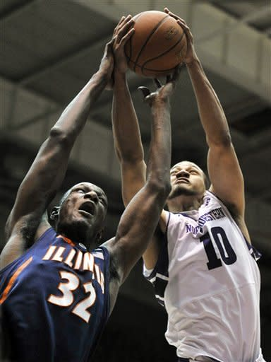 Illinois routs Northwestern 62-41