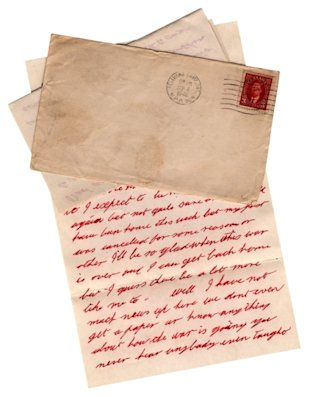 Send a Card to Someone Who Might Be Lonely. Photo: ARMY LETTER FROM PETAWAWA, WORLD WAR II. ISTOCK PHOTO