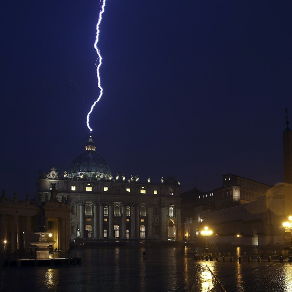 Lightning hits the Vatican as Pope's resignation recalls prophecy of Rome's destruction | Photo Gallery - Yahoo! News UK