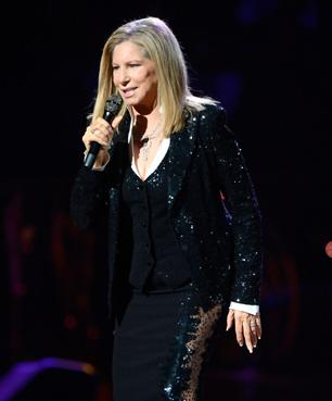 Barbra Streisand Dismisses Romney as 'Chameleon'