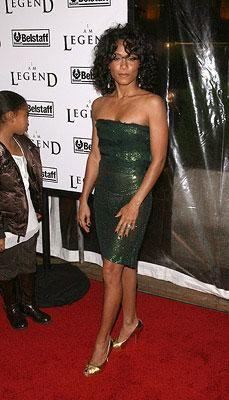 Jada Pinkett-Smith at the New York City premiere of Warner Bros. Pictures' I Am Legend