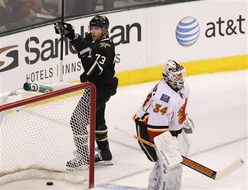 Lehtonen, Benn lead Stars past Flames 4-1