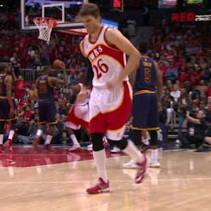 Korver Leaves With Injury