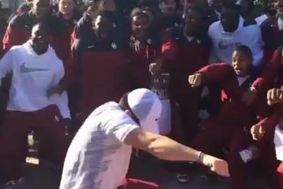 Oklahoma QB Baker Mayfield hits the whip PERFECTLY, leading to world harmony and peace