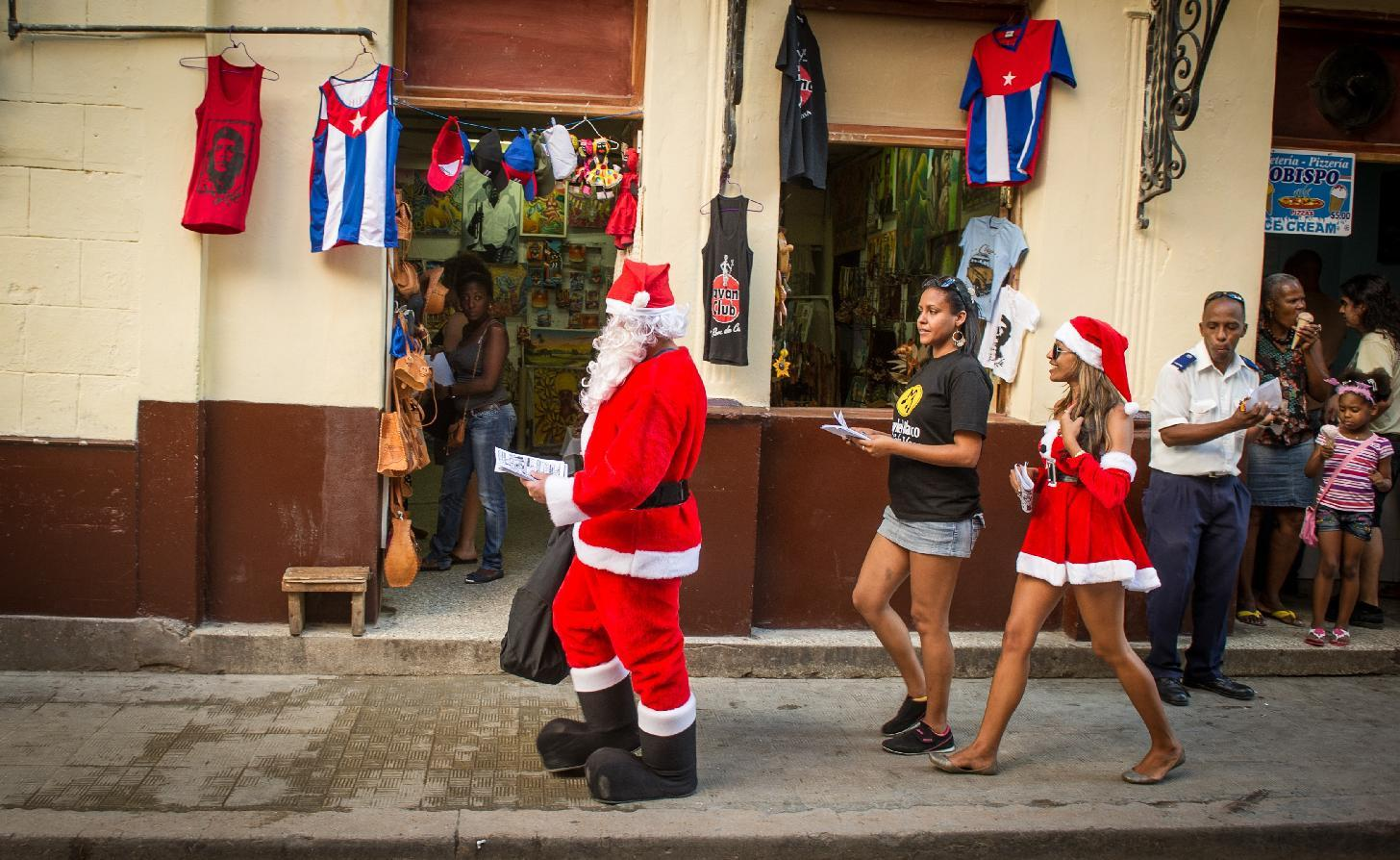 Cuba prepares for Christmas with early gift from Obama