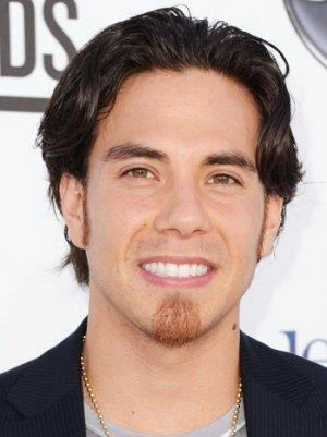 Apolo Ohno to Host GSN's 'Minute to Win It'