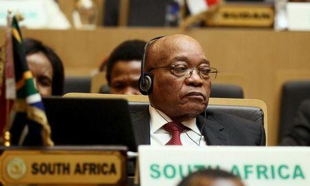 South Africa's Zuma eyes foreign investors as opposition disrupts speech