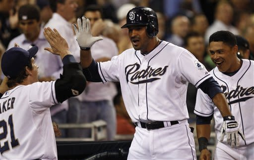 Padres use big eighth inning to beat Diamondbacks