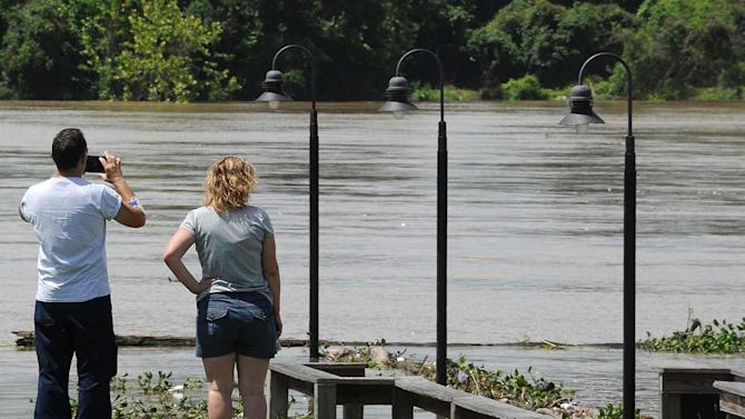 Officials eye river levels in Texas, with focus on Houston
