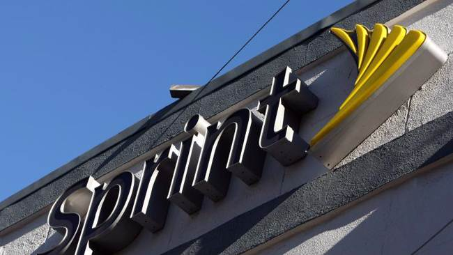 Sprint offers $2.1 billion in Clearwire takeover bid