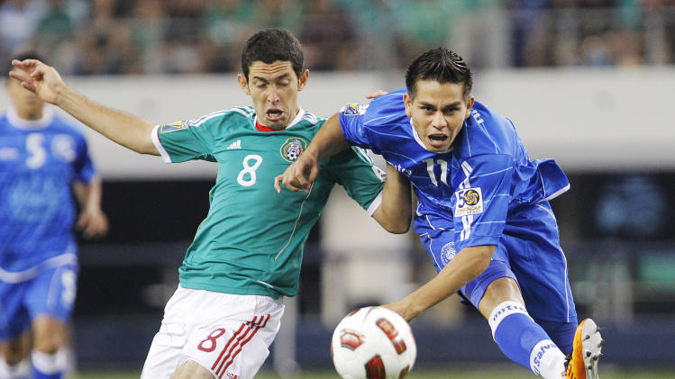 El Salvador suspends 22 soccer players