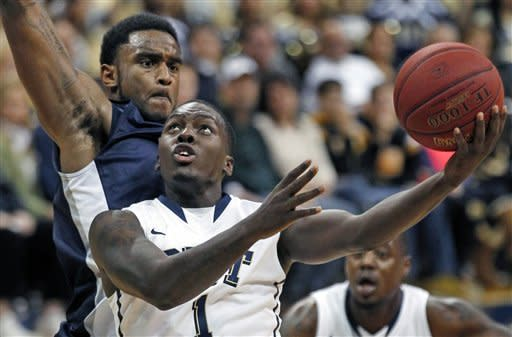 Pittsburgh rolls over North Florida 89-47