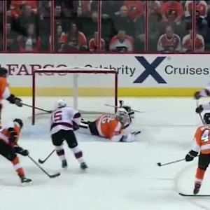 Travis Zajac outwaits Steve Mason to score