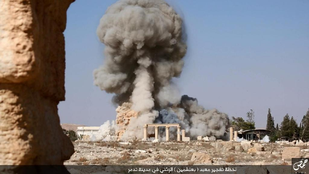 Destruction of ancient Syrian ruins