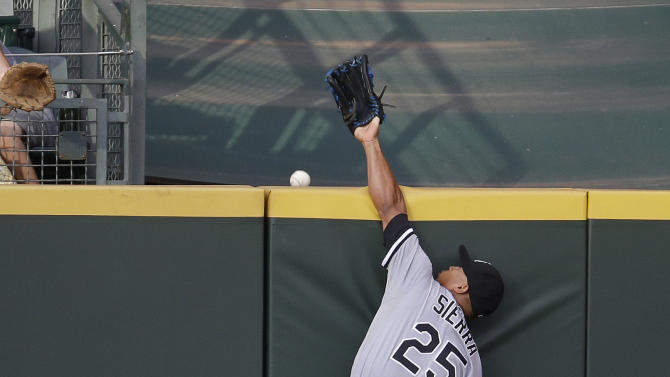 Elias, Ackley lead Seattle to rout of White Sox