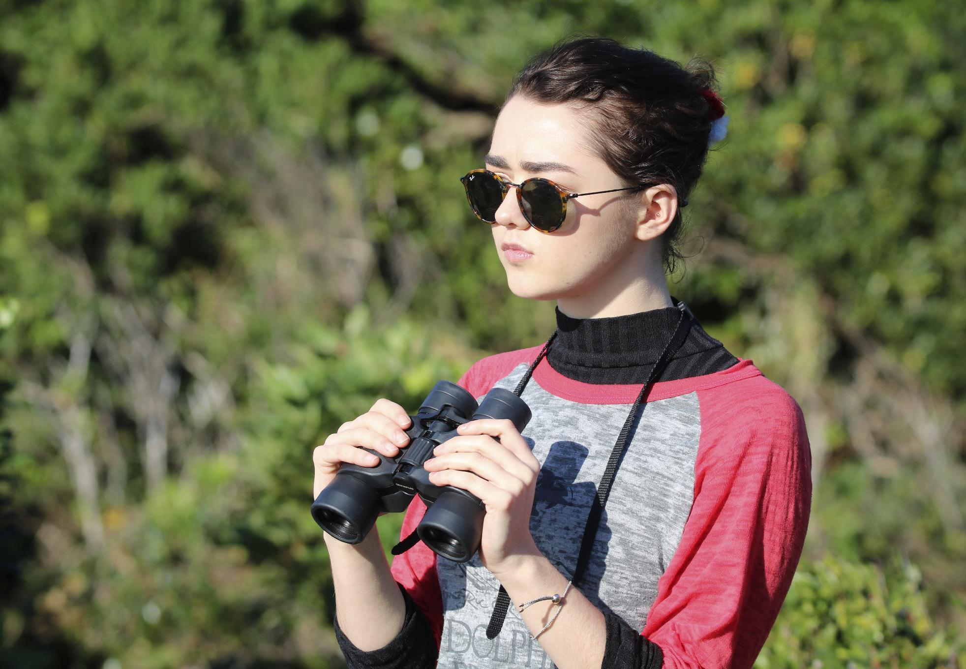 Maisie Williams: Stop going to dolphin shows