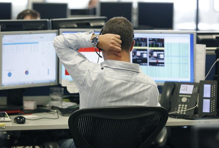 Global stocks fall as U.S. earnings disappoint