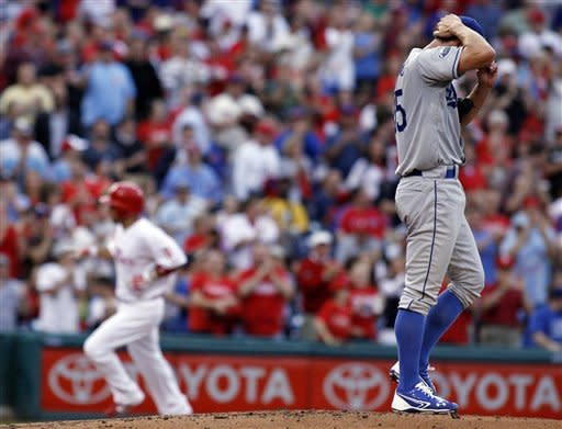 Gordon's hit leads Dodgers over Phillies 6-5