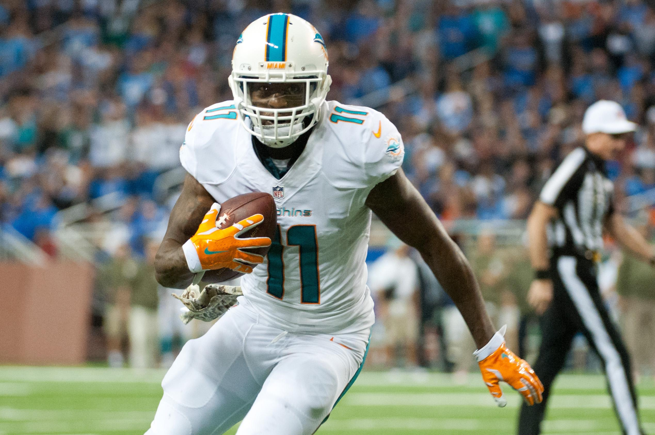Report: Mike Wallace quit on Dolphins teammates
