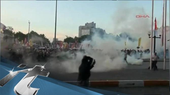 Politics Breaking News: Police Disperse Protesters in Istanbul Square