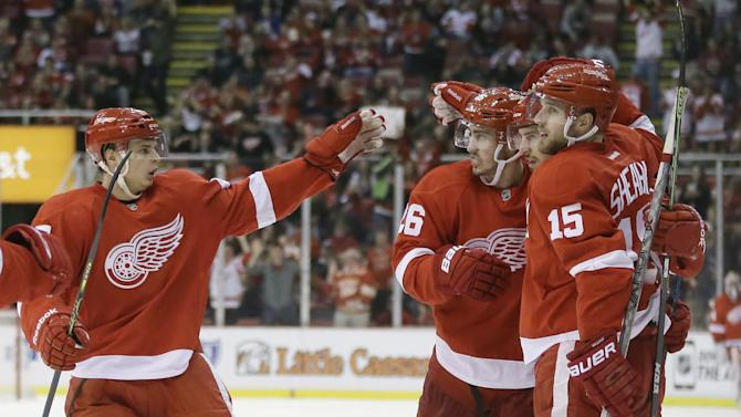 Tatar, Nyquist score on power play, Red Wings beat Islanders