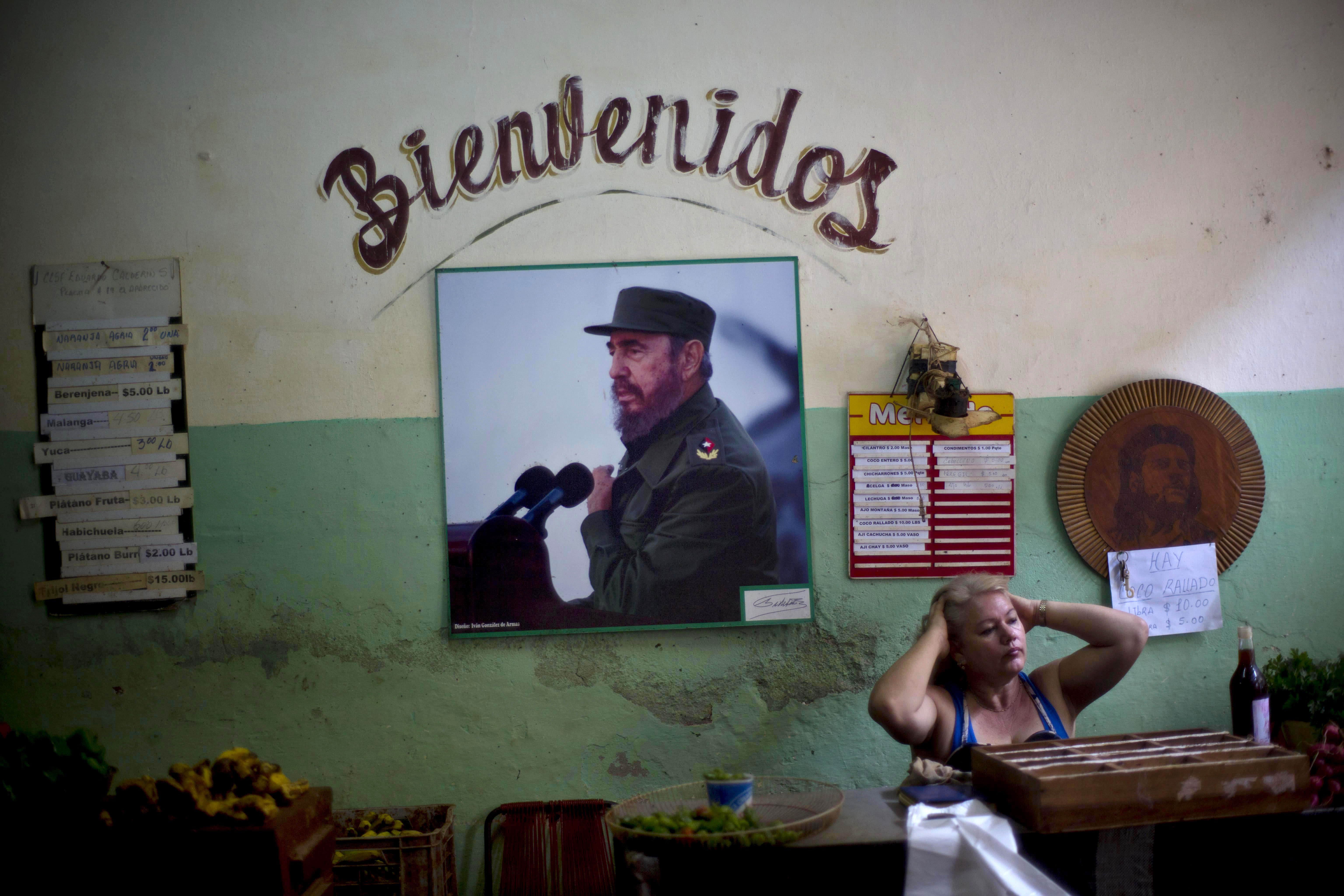Fidel Castro writes statement on shift in Cuba-US relations