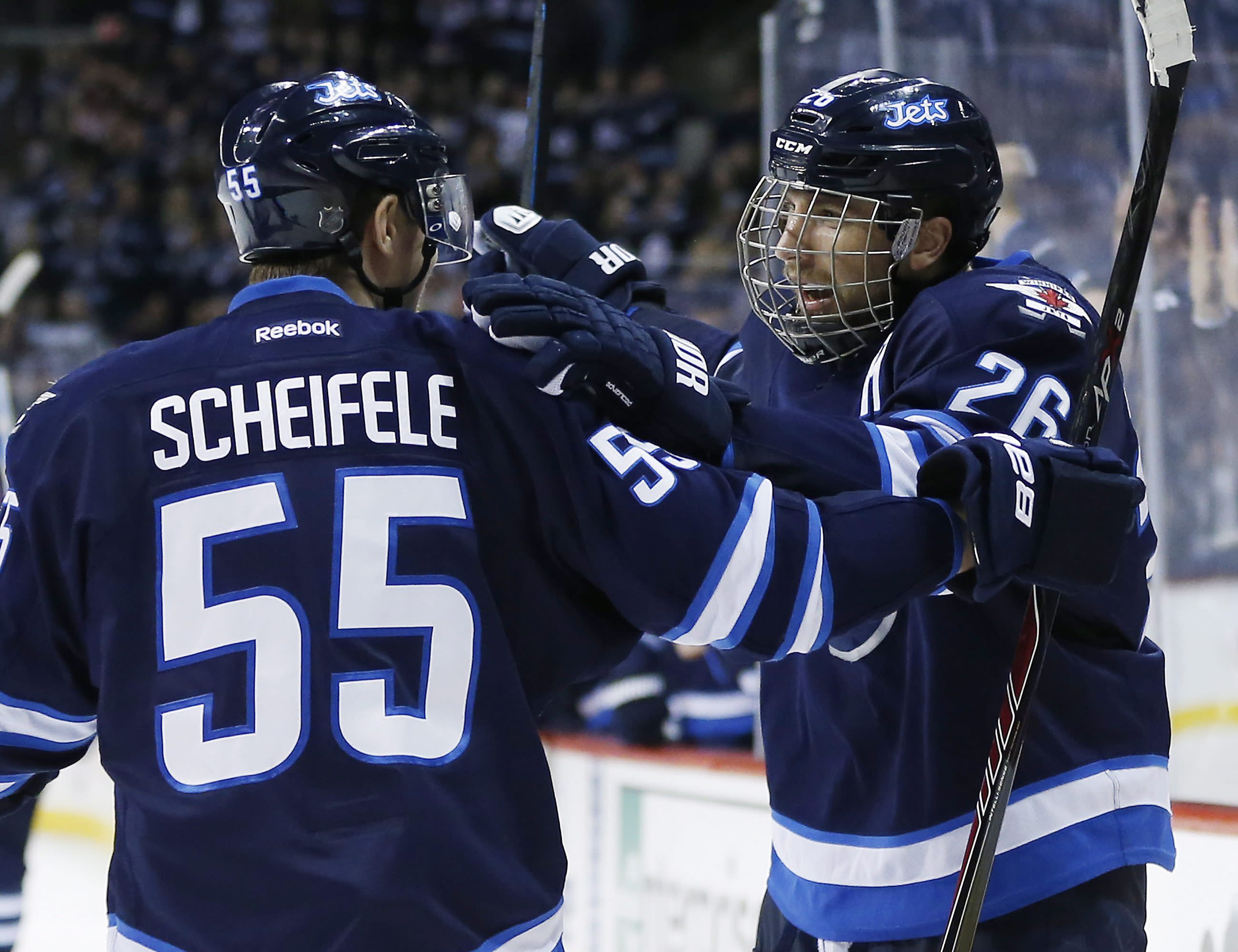 Pavelec stops 39 shots to lead Jets past Canadiens, 5-2