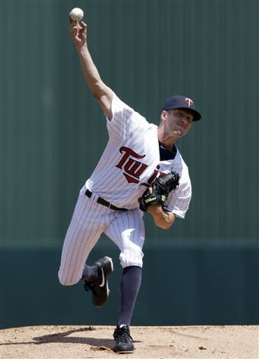 Cole DeVries hurt as Twins beat Red Sox 8-3