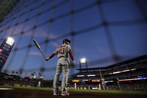 Lynn goes 7 strong to help Cardinals beat Phillies