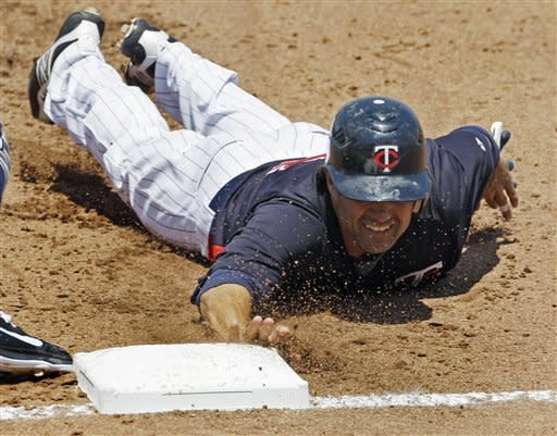 Brignac has two hits, leads Rays over Twins 6-2