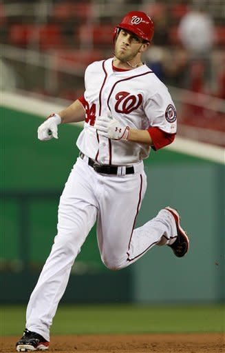 Harper hits 1st big league HR, leads Nats to win