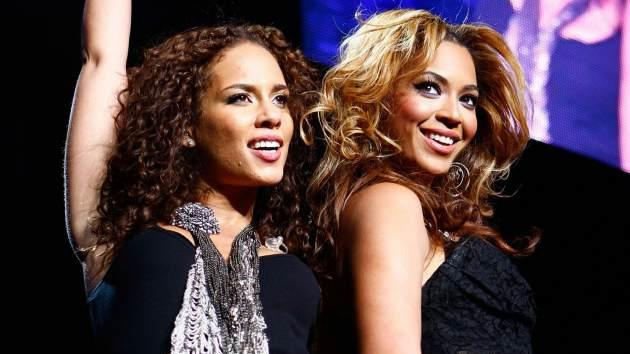 Alicia Keys and Beyonce perform at Madison Square Garden on March 17, 2010 in New York City -- Getty Premium