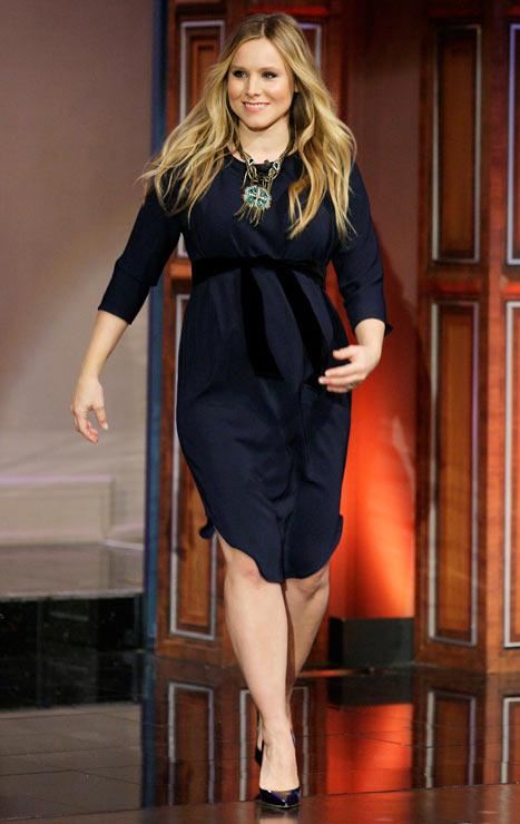 "Kristen Bell Shows Off Growing Baby Bump: ""I'm about 400 Pounds-Months Pregnant"""