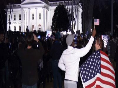 Raw: Celebration outside White House